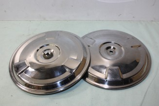 LOT DE 2 ENJOLIVEURS DE ROUE D/215mm...RENAULT R16 R4