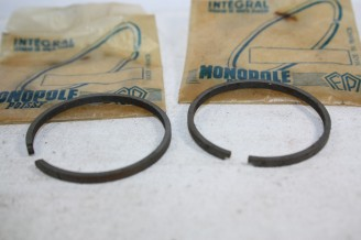 JEU DE 2 SEGMENTS MOTEUR D/39mm x 2.5mm FLOQUET MONOPOLE...MOTOS SCOOTERS CYCLOMOTEURS DIVERS