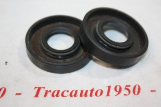 LOT DE 2 JOINTS D' ETANCHEITE DE DIRECTION 17x40x8mm...SIMCA ARONDE P60