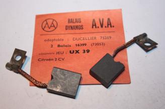CHARBONS UX 39  POUR DYNAMOS DUCELLIER...CITROEN 2CV UTILITAIRES ACADIANE