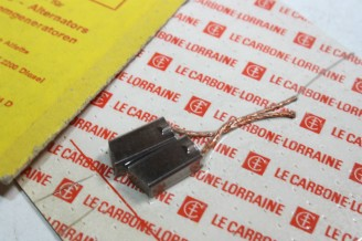 CHARBONS PX 57 POUR ALTERNATEUR12V PARIS RHONE...CITROEN CX HZ PEUGEOT 504 604